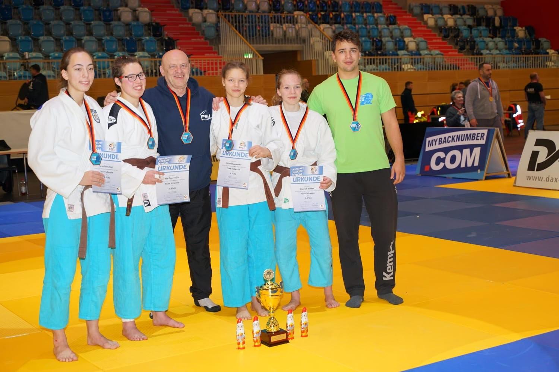 Team Schwerin erkämpft sich Bronze bei Deutschem Jugendpokal